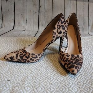 Shoes - Leopard print heels 🔥
